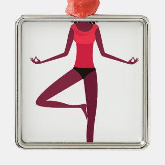 Fille foncée de yoga de peau d'Afro Ornement Carré Argenté