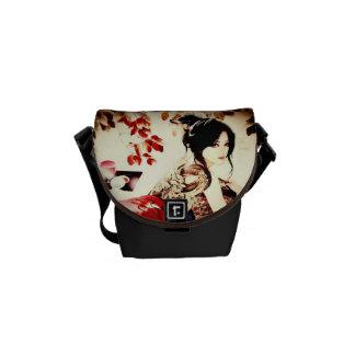 Fille japonaise vintage sacoches
