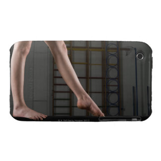 Fille marchant sur le faisceau d'équilibre coques Case-Mate iPhone 3