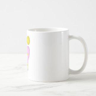 fille qui porte de l'or tasse à café