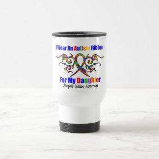 Fille tribale de ruban d'autisme tasse à café