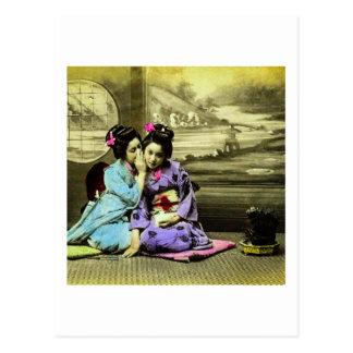 Filles de geisha de bavardage de vieux Japonais Cartes Postales