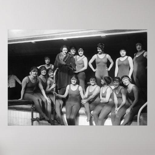 Filles de Poolside, les années 1900 tôt Poster