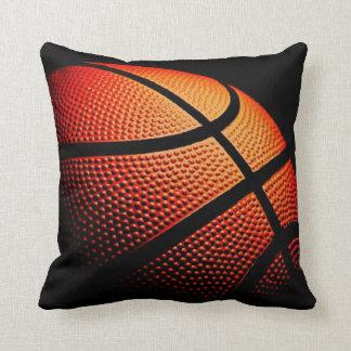 Fin de boule de basket-ball vers le haut de motif coussin