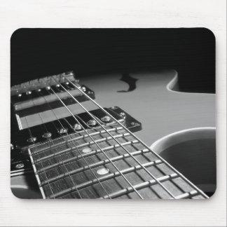 Fin de guitare électrique - B&W gris Tapis De Souris