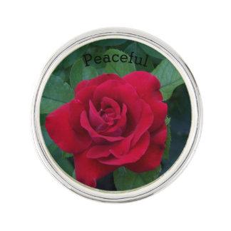 Fin de rose rouge épinglette