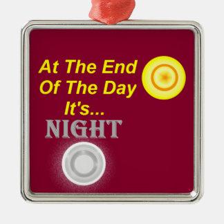 Finalement sa nuit ornement carré argenté