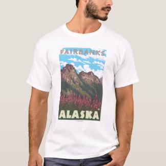 Fireweed et montagnes - Fairbanks, Alaska T-shirt