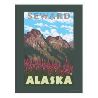 Fireweed et montagnes - Seward, Alaska Carte Postale