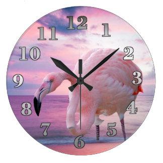 Flamant et ciel rose grande horloge ronde