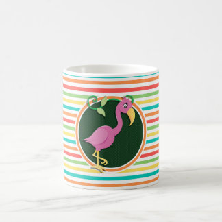 Flamant rose sur les rayures lumineuses mug à café