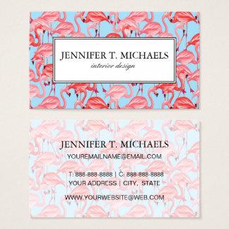 Flamants roses lumineux sur le monogramme du bleu cartes de visite