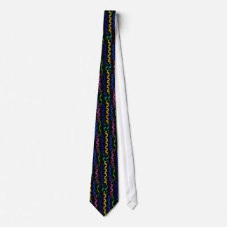 Flammes multicolores de partie sur le noir cravates