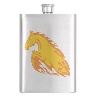 Flasque Cheval mis le feu flamboyant de flamme