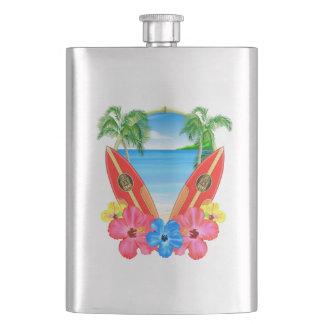 Flasque Plage et planches de surf tropicales