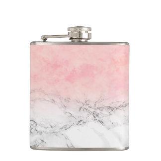 Flasques À la mode rougissent le marbre rose de blanc