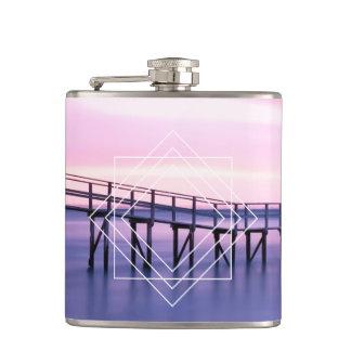 Flasques Coucher du soleil pourpre et rose féminin avec la