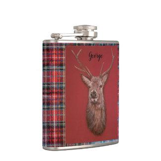 Flasques Le mâle de cerfs communs rouges de beaux-arts,