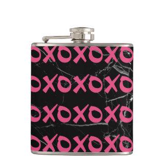 Flasques Le xoxo girly mignon de marbre de noir de roses