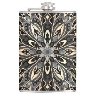Flasques Mandala noir et brun géométrique tribal