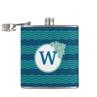 Flasques Motif de vague moderne décoré d'un monogramme