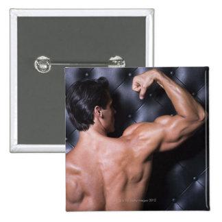 Fléchissement musculaire d'homme badge carré 5 cm