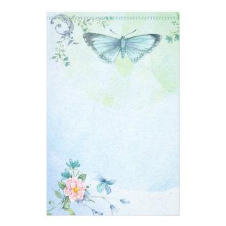 Fleur de papillon de vert bleu assez stationnaire papier à lettre personnalisé