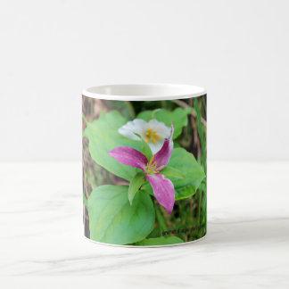 Fleur de Trillium tasse en céramique de 11 onces