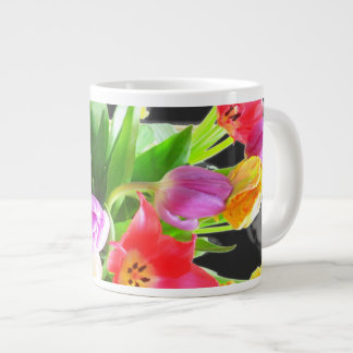 Fleur de tulipes de ressort mug jumbo