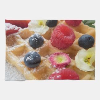 fleur délicieuse de sucre de myrtille de framboise serviettes pour les mains
