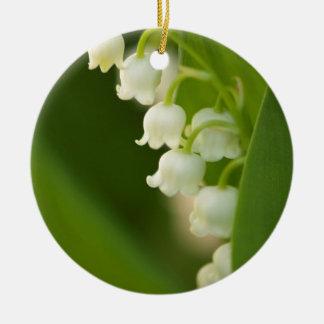 Fleur du muguet ornement rond en céramique