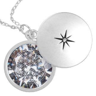 Fleur en cristal de collier de mandala de la vie