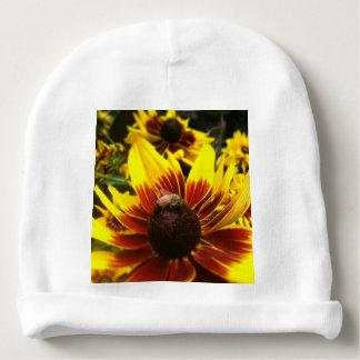 Fleur et abeille jaunes bonnet de bébé