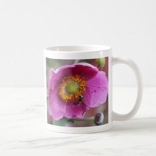 Fleur et abeille tasse à café