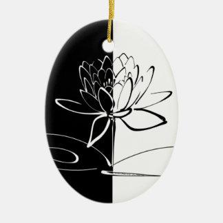 Fleur noire de Yin Yang Lotus blanc Ornement Ovale En Céramique