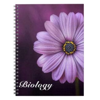 Fleur pourpre de pétale carnet