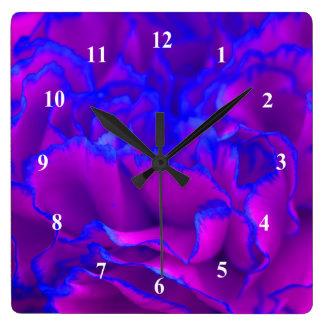 Fleur rose et bleue de Fuschia audacieux d'oeillet Horloge Carrée