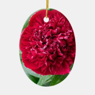 Fleur rouge de pivoine ornement ovale en céramique