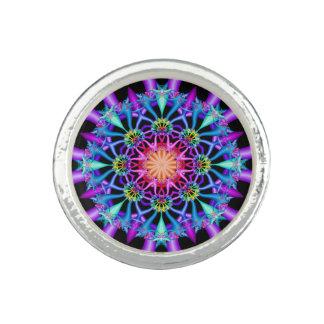 Fleurons d'arc-en-ciel de kaléidoscope de fractale bagues avec photo