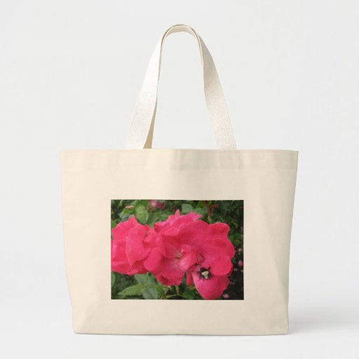 Fleurs avec l'abeille sacs