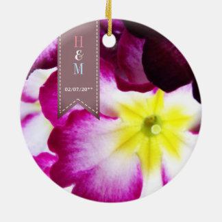 Fleurs colorées épousant l'ornement ornement rond en céramique