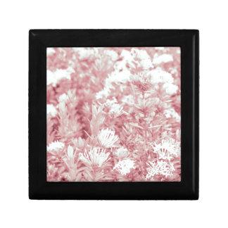 Fleurs colorées par rose boîte à souvenirs