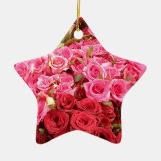 Fleurs dans les roses de Philippines, roses et Ornement Étoile En Céramique