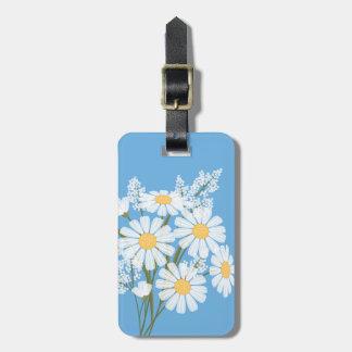 Fleurs de marguerite blanche sur le bleu étiquettes bagages