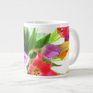 Fleurs de tulipes de ressort mug jumbo