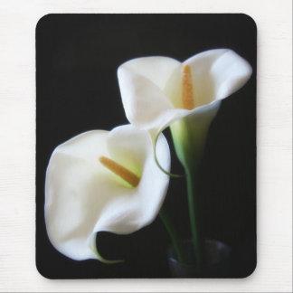 Fleurs élégantes 13 de zantedeschia tapis de souris