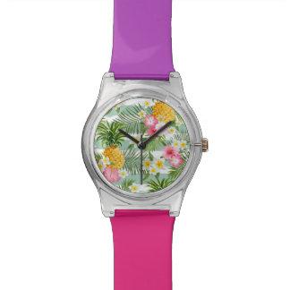 Fleurs et ananas tropicaux sur les rayures montres