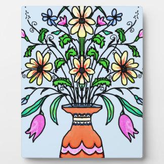 Fleurs et vase reflétés plaque d'affichage