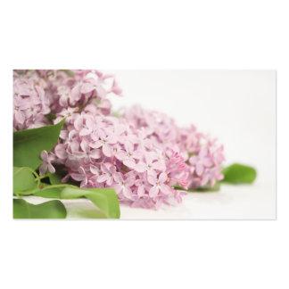 Fleurs lilas sur le blanc carte de visite