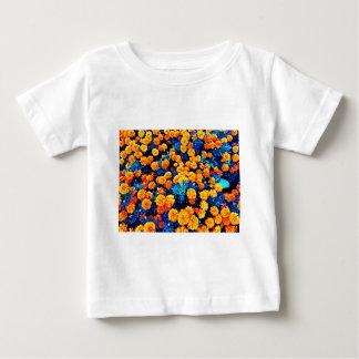 Fleurs oranges t-shirts